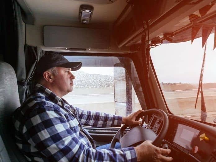 3 Ways Truck Drivers Can Prevent Fatigue on the Road