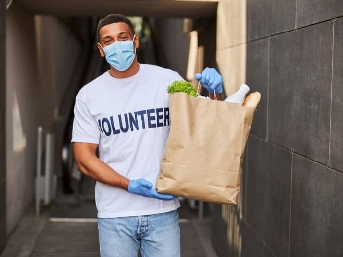Tips for Volunteering Safely During COVID-19